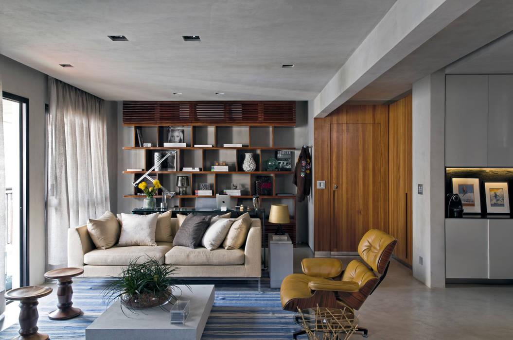 Real Parque Loft: Salas de estar  por DIEGO REVOLLO ARQUITETURA S/S LTDA.,Moderno