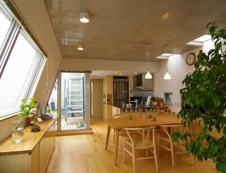 Living room by ARC DESIGN, Modern