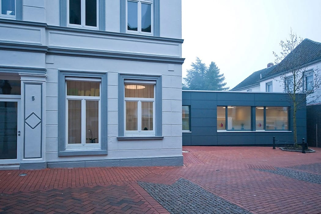 Clinics by Lecke Architekten, Classic