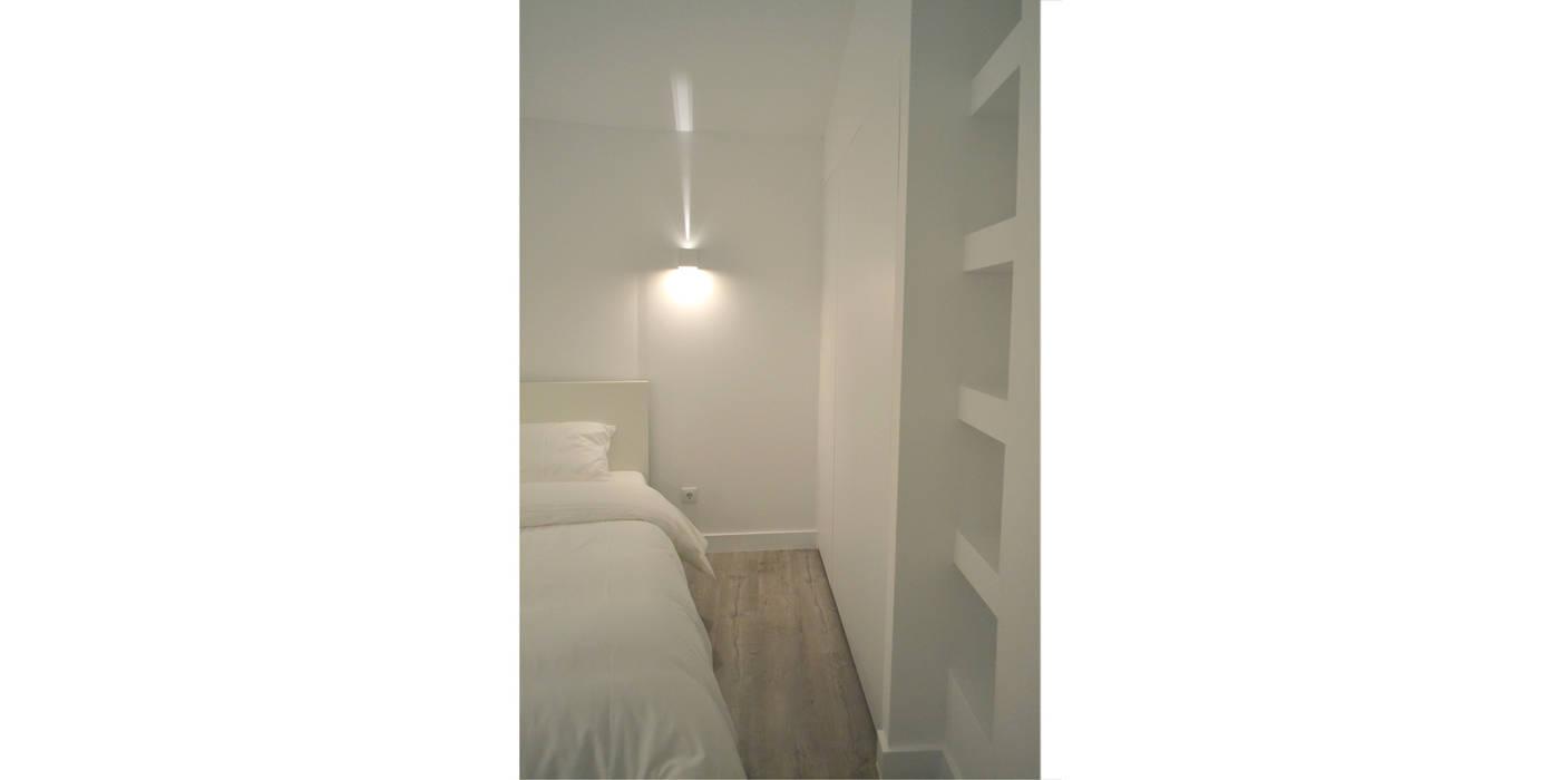 032 | Apartamento, Alfama, Lisboa Quartos minimalistas por T2 Arquitectura & Interiores Minimalista