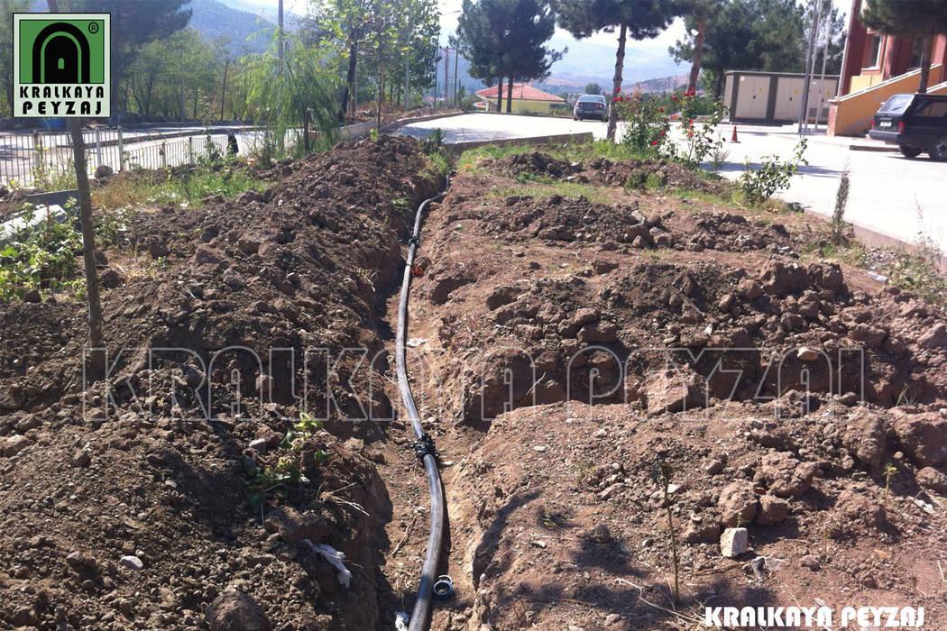 Kralkaya Peyzaj Havuz Fıskiye Sist. ve Pompa Mim. Müh. İnş. Ltd. Şti  – Göynücek Devlet Hastanesi Bahçesi / Amasya:  tarz Bahçe