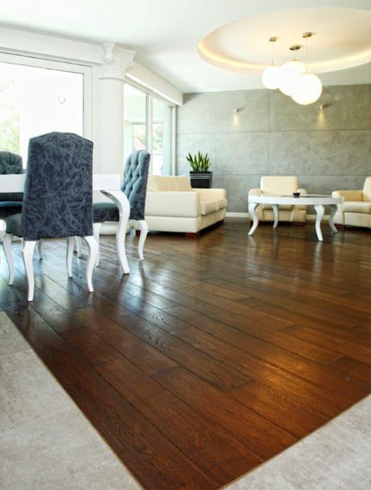 Deski podłogowe Dąb Dover: styl , w kategorii Ściany zaprojektowany przez Kopp