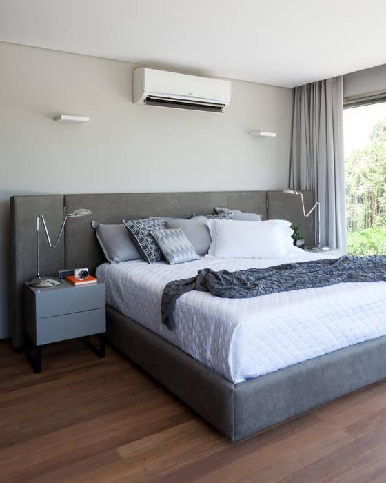 Minimalistyczna sypialnia od Consuelo Jorge Arquitetos Minimalistyczny