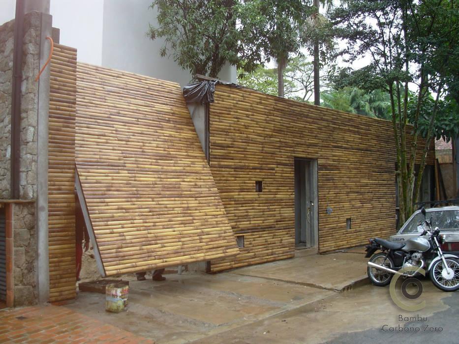 Bambu Carbono Zero e Arq. Isay Weinfeld Portas e janelas minimalistas por BAMBU CARBONO ZERO Minimalista