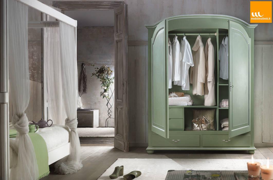 Armadio verde shabby chic: camera da letto in stile di mobilinolimit ...