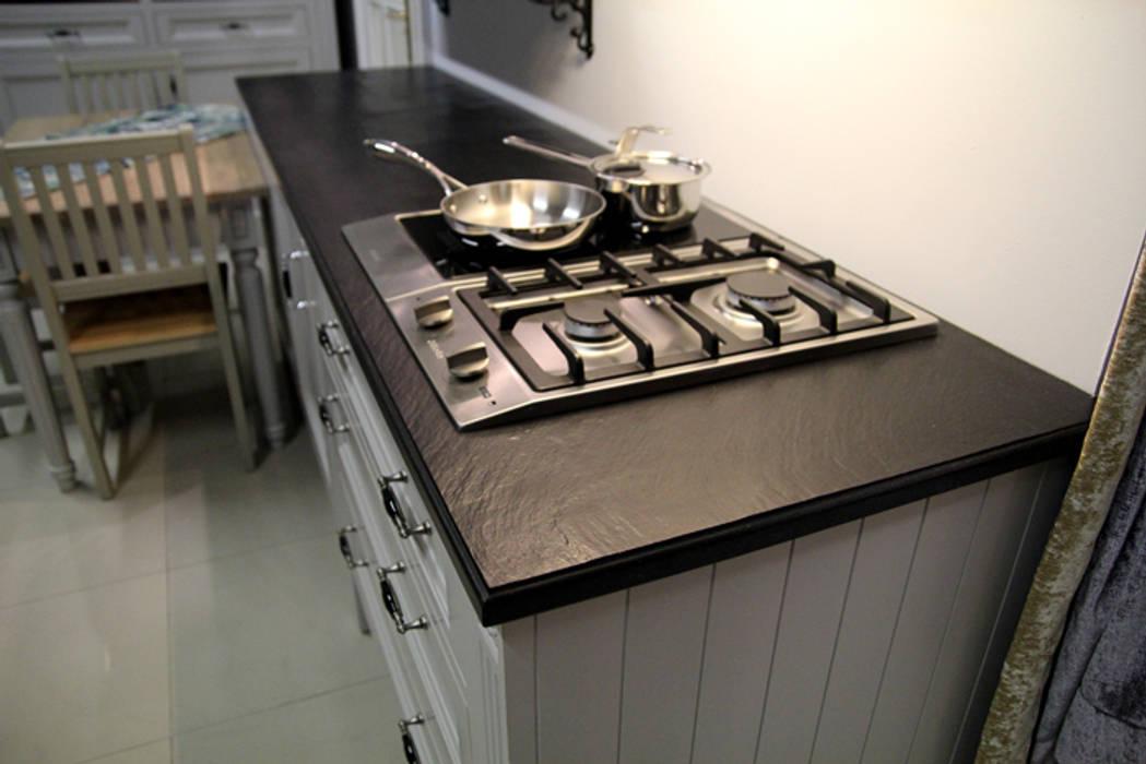 モダンな キッチン の GRANMAR Borowa Góra - granit, marmur, konglomerat kwarcowy モダン