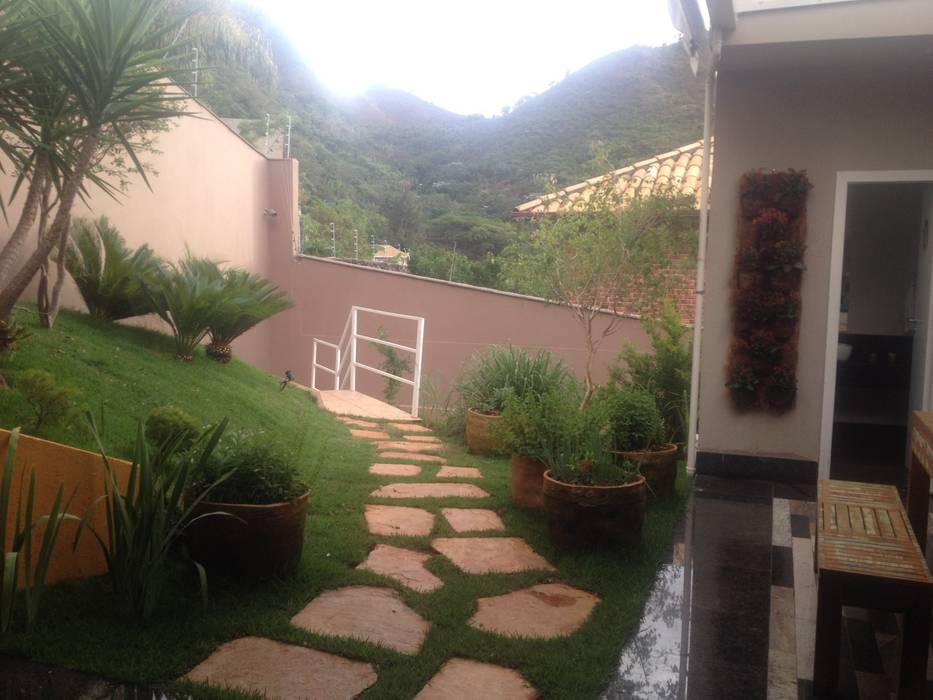 Jardines de estilo rústico de Rizck Paisagismo Rústico