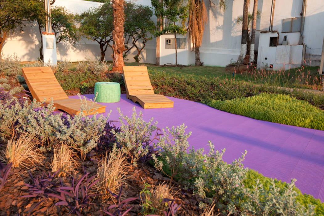 Refúgio Zen - Espaço Lilás Jardins modernos por Adines Ferreira Paisagismo Moderno