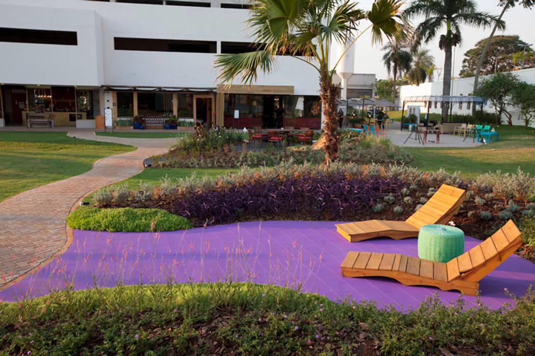 Refúgio Zen - Espaço Lilás: Jardins  por Adines Ferreira Paisagismo,