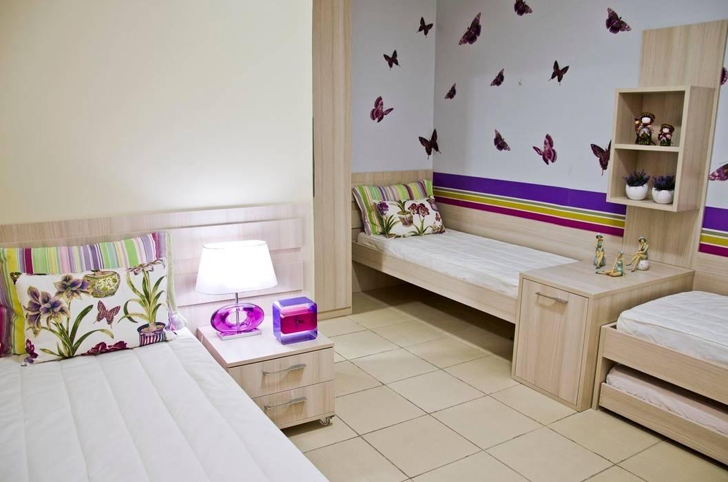Casas de estilo tropical de Celia Beatriz Arquitetura Tropical