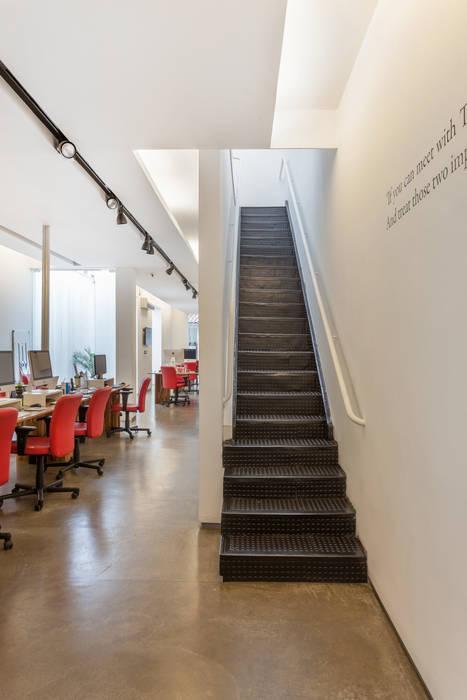 Ruang Komersial Modern Oleh Nautilo Arquitetura & Gerenciamento Modern