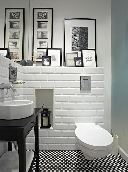 Modern bathroom by Deeco Modern