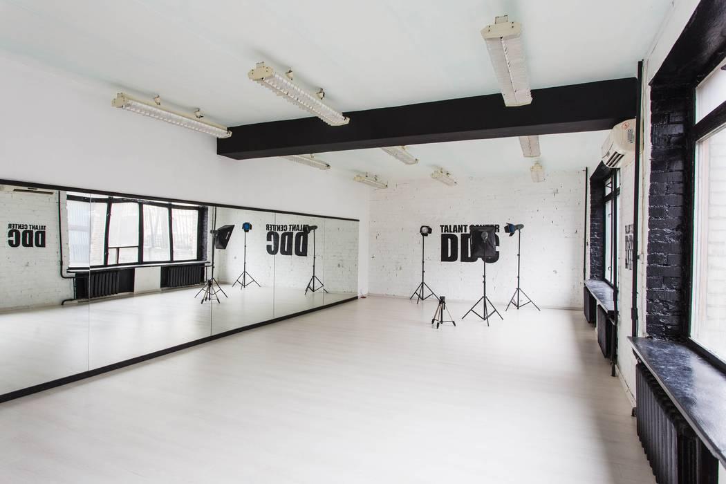 Танцевальная студия в Днепропетровске 380 м2: Школы и учебные заведения  в . Автор – NK design studio, Лофт