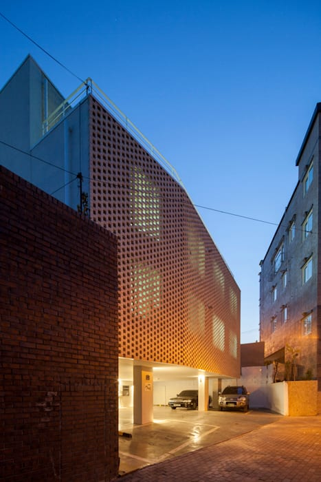Casas de estilo moderno de 스마트건축사사무소 Moderno