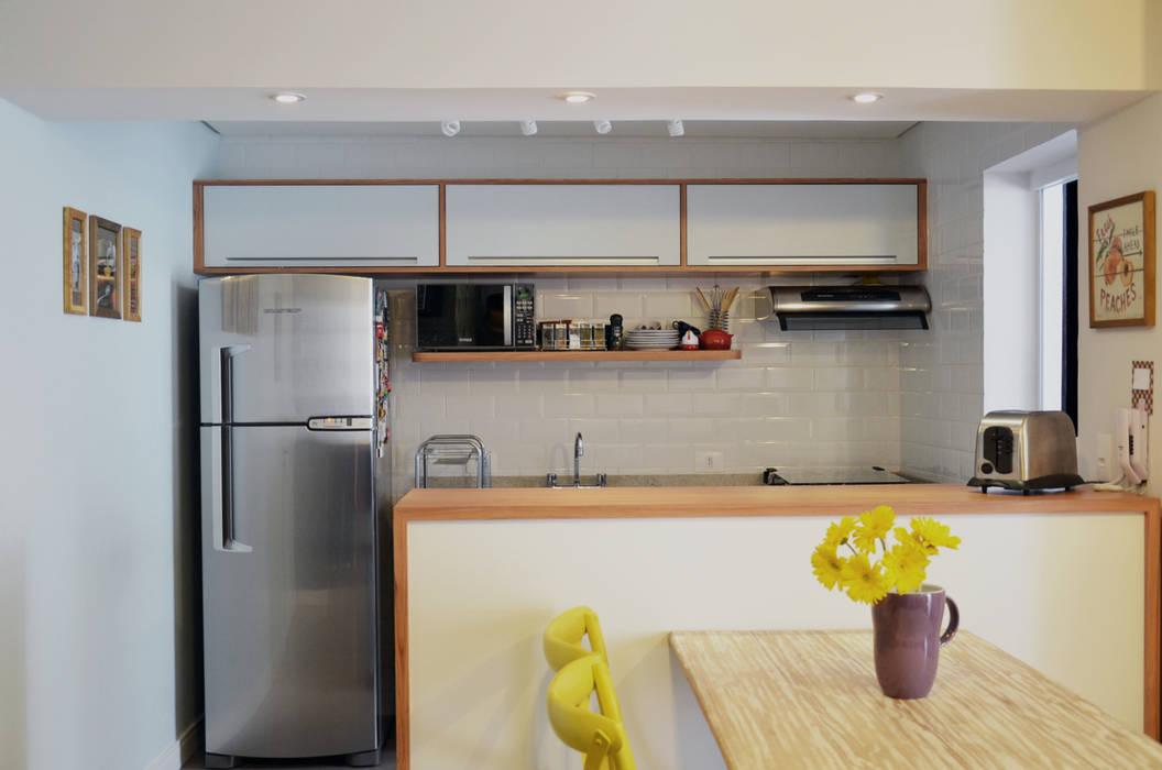Modern kitchen by Mmaverick Arquitetura Modern