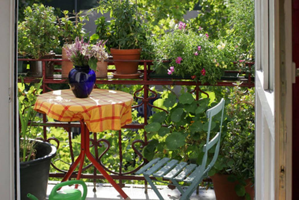Balcon: Terrasse de style  par Atelier Pourpre Design & Décoration SPRL