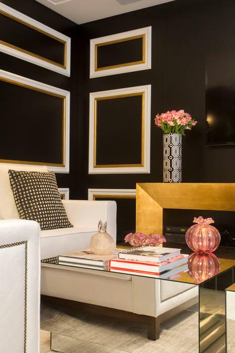 Apartamento Florianópolis Salas de estar clássicas por Roberta Zimmermann Buffon Clássico
