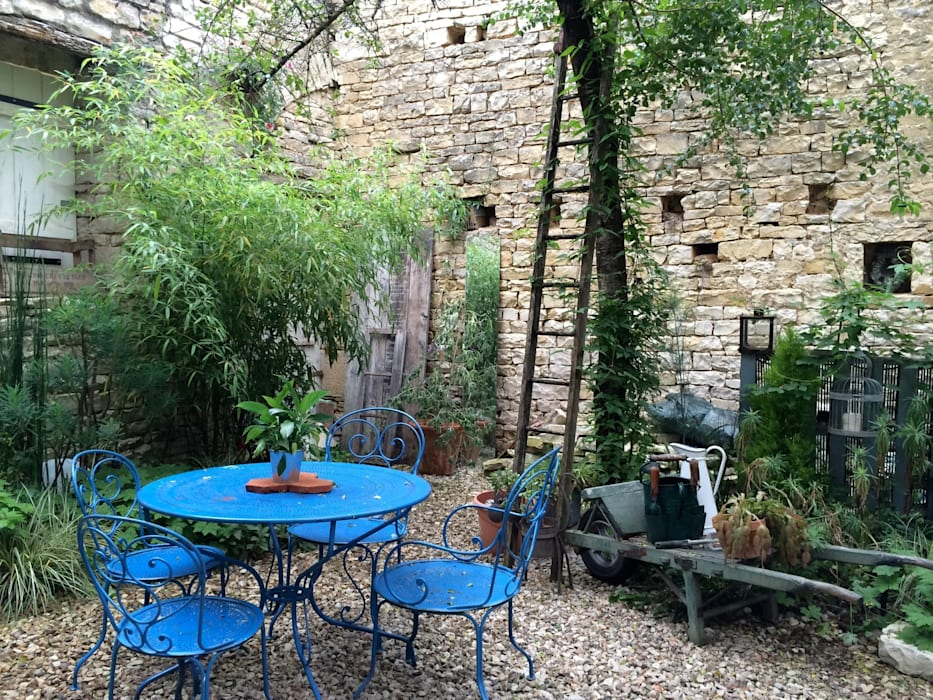 Le patio Jardin moderne par Atelier d'Ersu & Blanco Moderne