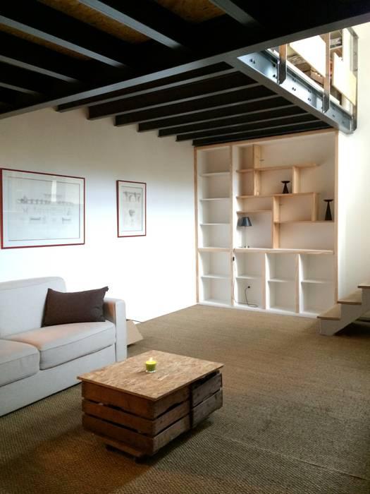 Salon ( niveau -1) Salon moderne par Atelier d'Ersu & Blanco Moderne