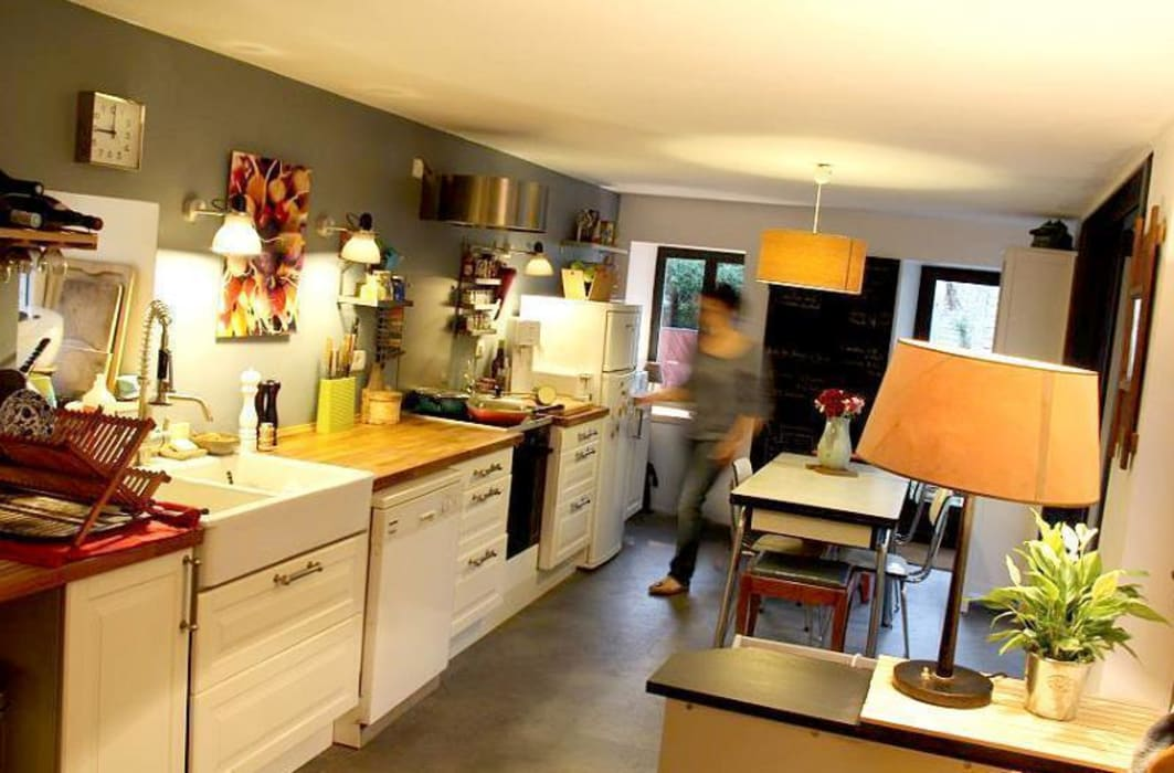 La cuisine par Atelier d'Ersu & Blanco Moderne