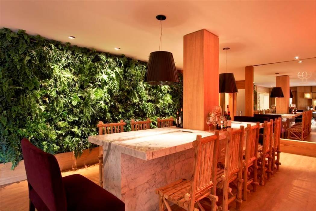 Projetos Diversos Adegas rústicas por Quadro Vivo Urban Garden Roof & Vertical Rústico