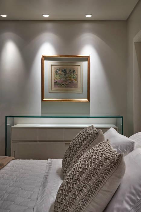 Quarto de casal Quartos modernos por Fernanda Sperb Arquitetura e interiores Moderno