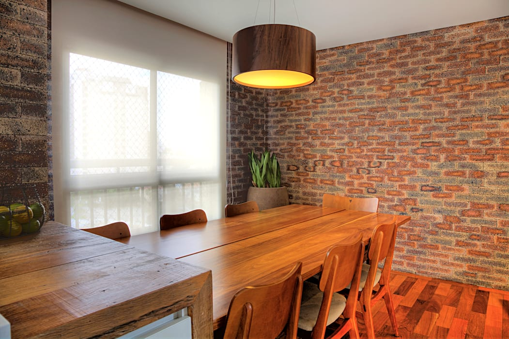 Triplex Alto de Pinheiros: Cozinhas  por studio scatena arquitetura
