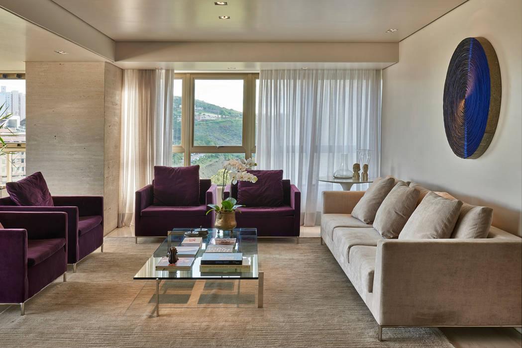 Sala de estar: Salas de estar  por Fernanda Sperb Arquitetura e interiores,