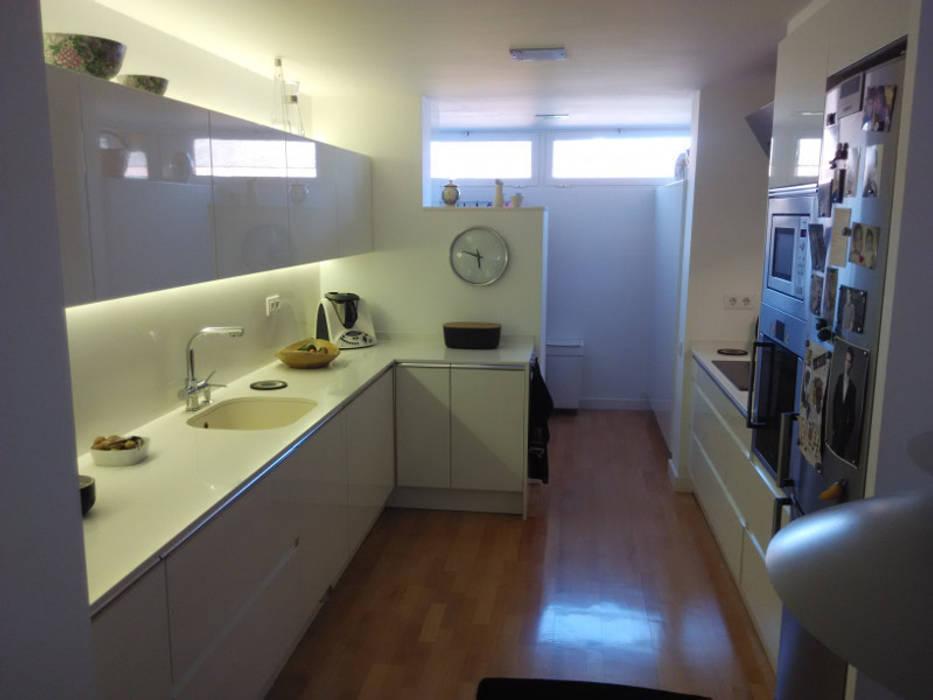 Dapur oleh femcuines, Modern