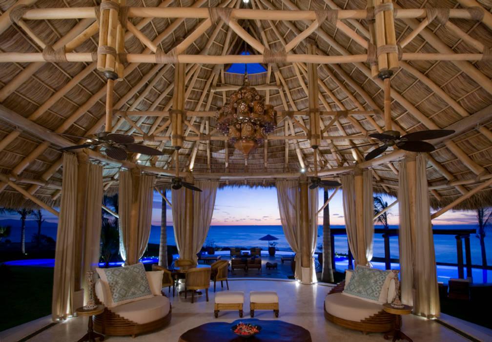 Casa Taheima. Salones tropicales de BR ARQUITECTOS Tropical