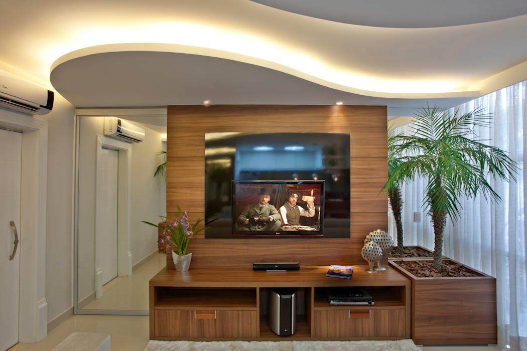 Ruang Media Modern Oleh Designer de Interiores e Paisagista Iara Kílaris Modern