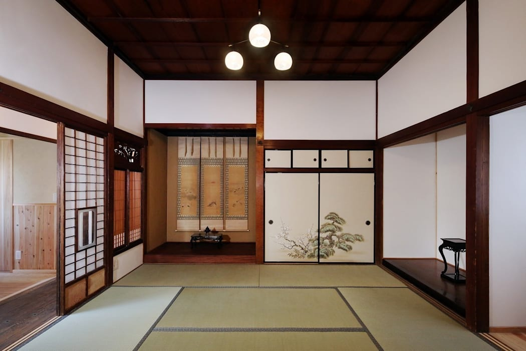 古民家棟 座敷 クラシックデザインの 多目的室 の 木の家設計室 アトリエ椿 クラシック