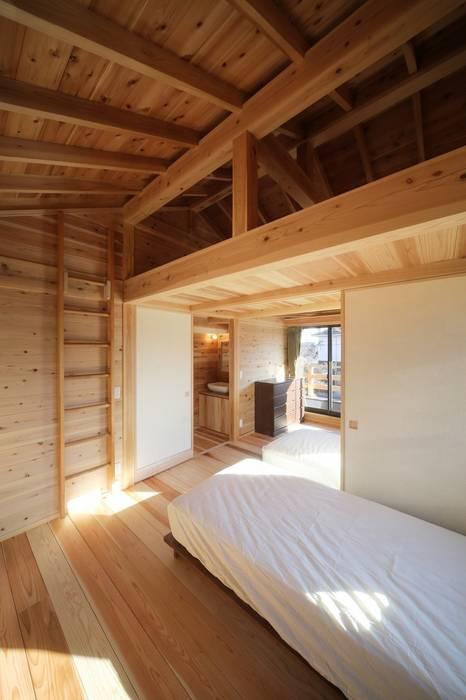 新築棟 子供部屋: 木の家設計室 アトリエ椿が手掛けた子供部屋です。
