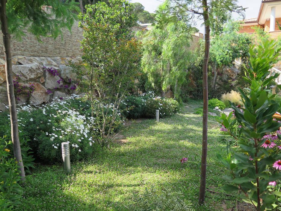 Un rincón verde: Jardines de estilo  de LANDSHAFT