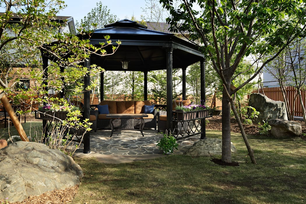 ガゼボのアップ オリジナルな 庭 の 秦造園 オリジナル