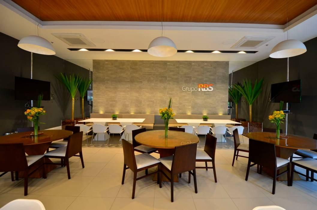 Sede RBS: Espaços gastronômicos  por BG arquitetura