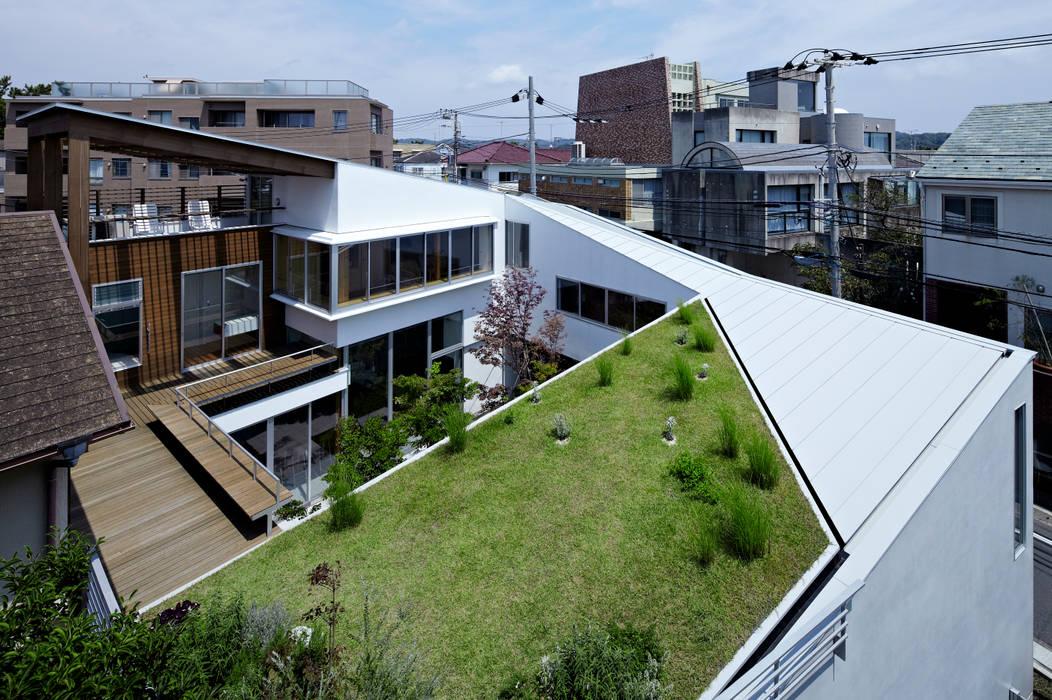 新築部分全景 モダンな 家 の 工藤宏仁建築設計事務所 モダン