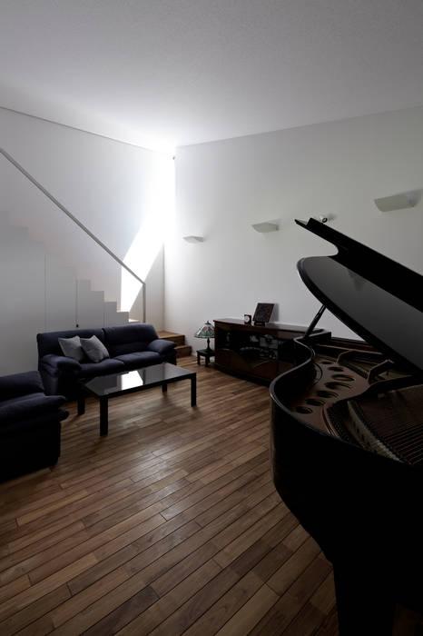 ホール モダンデザインの 多目的室 の 工藤宏仁建築設計事務所 モダン