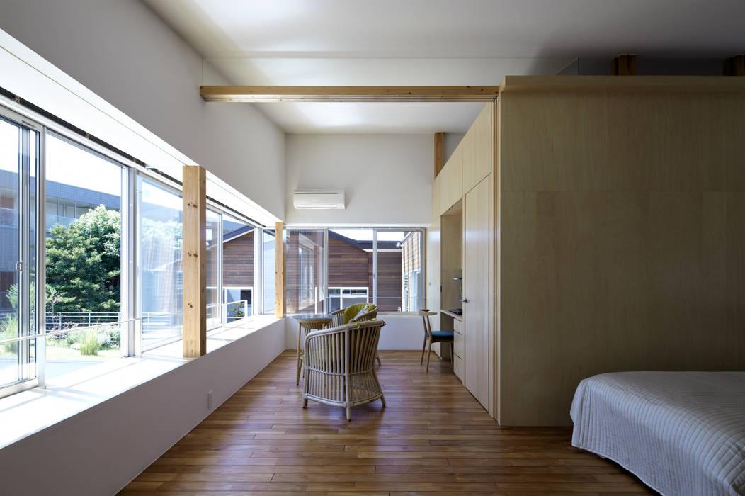 寝室 モダンスタイルの寝室 の 工藤宏仁建築設計事務所 モダン
