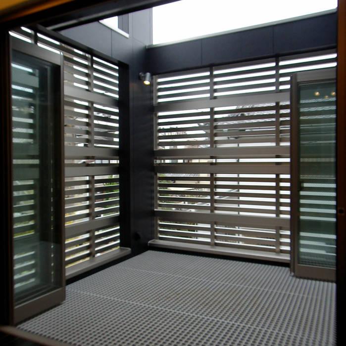 テラス モダンデザインの テラス の 石井設計事務所/Ishii Design Office モダン