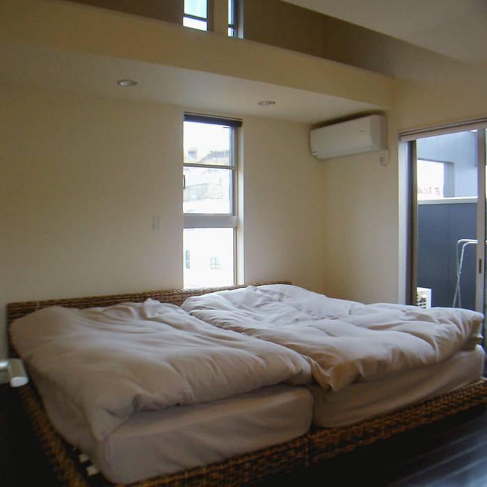 寝室: 石井設計事務所/Ishii Design Office が手掛けた寝室です。