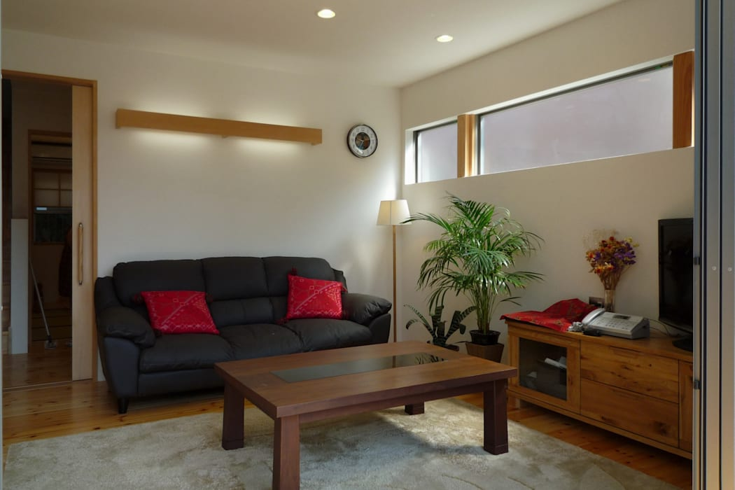 リビング 和風デザインの リビング の 石井設計事務所/Ishii Design Office 和風