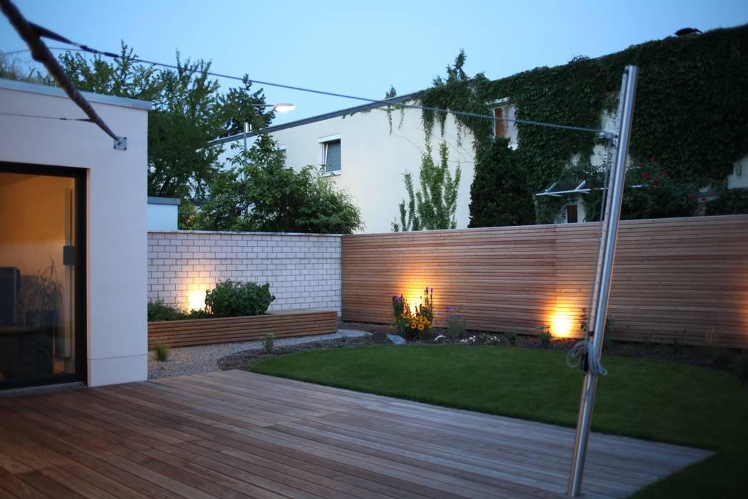 Das Haus, das aus der Reihe tanzt:  Garten von Ivo Nikolov Architekt