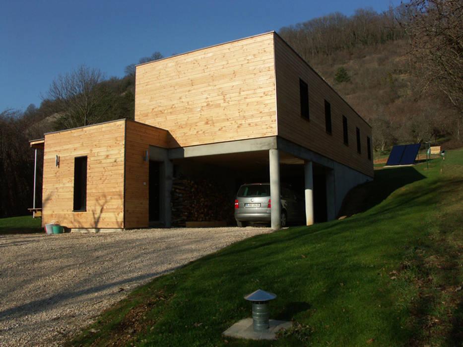 Angle est de la maison: Maisons de style  par Cléo Chatelet Architecte