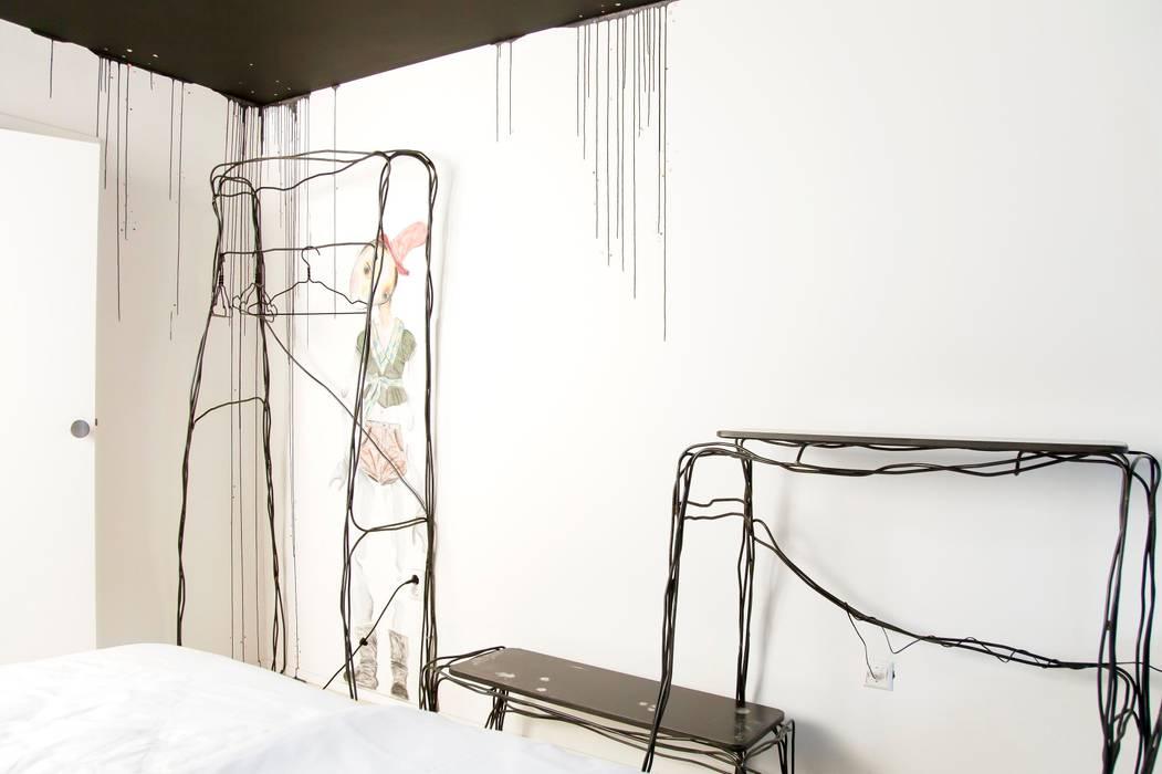 Room of Misunderstood Creatures:  Hotels door Roos Soetekouw Design, Eclectisch
