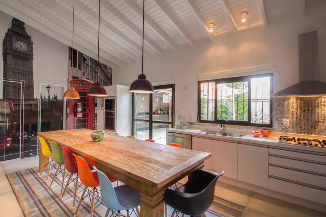 Cuisine tropicale par Marcos Contrera Arquitetura & Interiores Tropical
