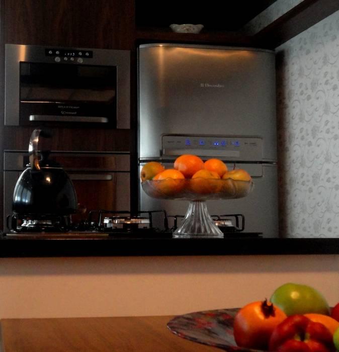 Cozinha da família Fag.: Cozinhas  por Marisol Réquia Arquitetura,Clássico Papel