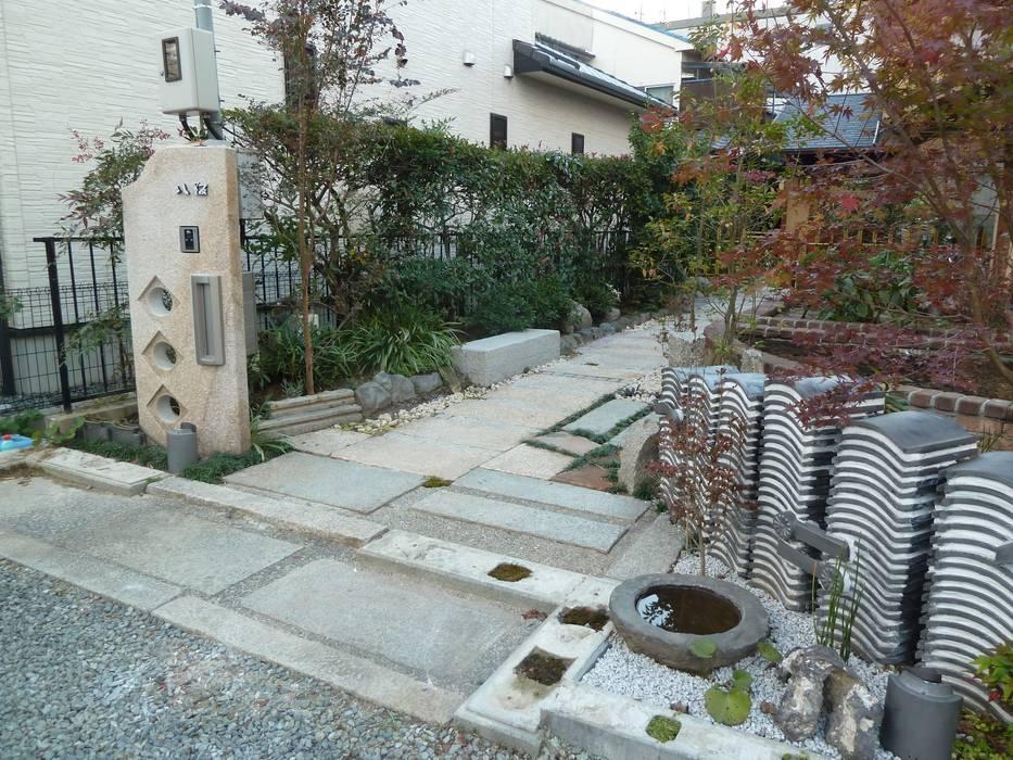 門周り アジア風 庭 の アーテック・にしかわ/アーテック一級建築士事務所 和風