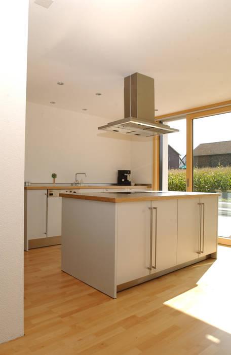 Kitchen by 5 Architekten AG, Modern