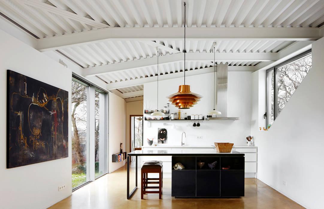 Kitchen by miba architects,